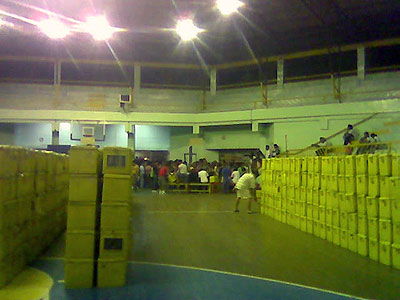 Almendras Gym and ballot boxes